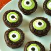 Easy Halloween Eyeball Brownie Bites