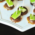 http://thekusilife.com/recipe/caramel-apple-pretzel-bites/